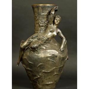 https://antyki-urbaniak.pl/1139-31610-thickbox/vase-with-russals-art-nouveau-j-gar-circa-1900.jpg