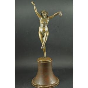 https://antyki-urbaniak.pl/2344-25709-thickbox/dancer-art-deco-20-30s-of-the-20th-century.jpg