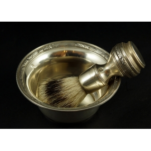 http://www.antyki-urbaniak.pl/3426-24822-thickbox/zestaw-do-golenia-srebro-francja-xix-w-.jpg