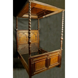 https://antyki-urbaniak.pl/3428-24836-thickbox/bed-with-a-canopy-wood-1672.jpg