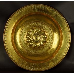 https://antyki-urbaniak.pl/3857-29039-thickbox/nuremberg-bowl-brass-16th-century.jpg