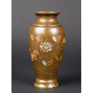 https://antyki-urbaniak.pl/4290-34895-thickbox/wazon-z-rozami-japonia-era-meiji-1868-1912-.jpg