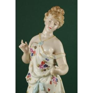 http://www.antyki-urbaniak.pl/918-4708-thickbox/figurka-kobiety-furstenberg-xix-xx-w.jpg